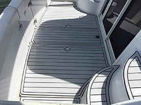 Carver 350 aft deck with AquaTraction